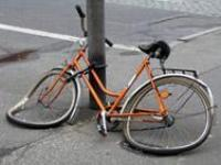 Шофьор блъсна велосипедист и избяга