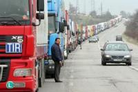 Тежкотоварни моторни превозни средства няма да бъдат пропускани на територията на Гърция до 17 часа