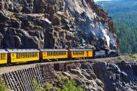 С влак и автомобил през Южно Колорадо