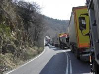 На 5 и 8 септември в пиковите часове се спира движението на камионите над 12 т по автомагистралите