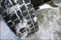 Добре ли е да караме със зимни гуми целогодишно