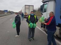 Храна, вода и предпазни средства за шофьорите на камиони на границата осигурява Съюза на международните превозвачи
