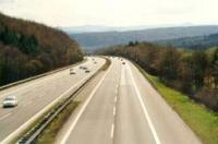 """Движението по АМ """"Хемус"""" при км 353, в посока Варна, e временно само в аварийната лента"""