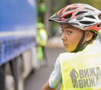 Демонстрация на безопасна интеракция между камион и велосипедисти на старта на 67-та Международна колоездачна обиколна на България