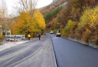 От утре за взривни работи временно ще се спира движението по пътя за Кръстова гора